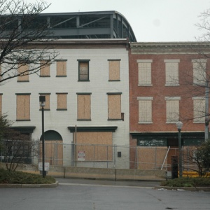 Thaddeus Stevens House (left) and Kleiss tavern before reconstruction.